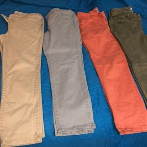 Four pairs Lee Essential Chinos 6P
